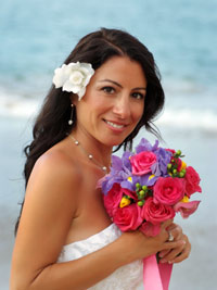 Maui wedding bouquet. Photo courtesy of Cassi Pali of Creative Island Visions. Click to enlarge.